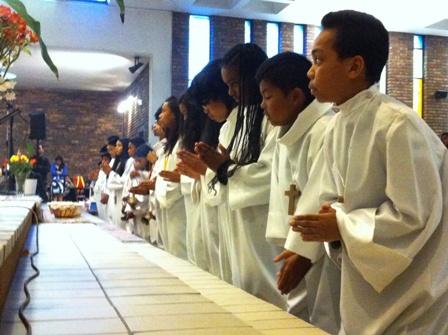 Servant autel 12