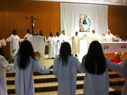 Servant autel 13
