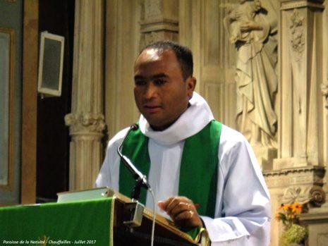 Pèere Edmond ANDRIAMBOLOLONA - Aumônier eglise catholique malgache de Paris